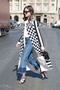 Photo Credit [Pinterest] Flared Cropped Jeans